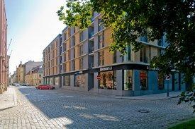 Cenu Stavba roku Plzeňského kraje 2016 získal bytový dům Veleslavínova, postavený z vápenopískových cihel Zapf Daigfuss Kalksandstein